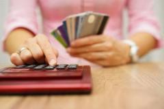 ソシャゲ依存主婦 借金500万円作り人妻専門風俗店で働き始める