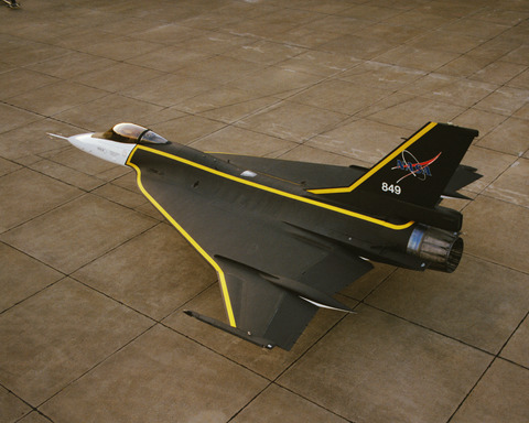F-16XL_with_Custom_Paint_-_GPN-2000-001925