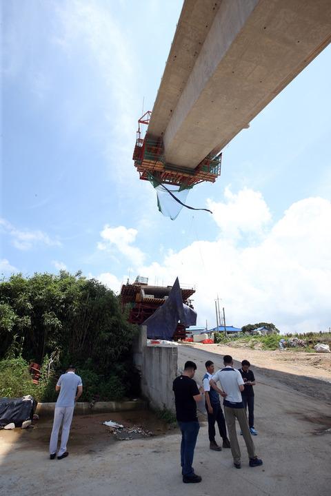 チョン国の世界一のシーソー橋8