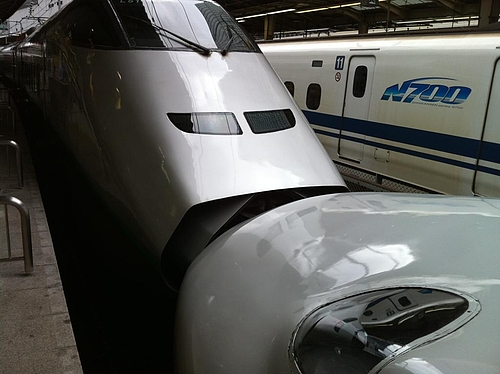 東北新幹線の連結部分は何回みてもかっちょいいねー。盛岡までこまち、そこで、はやてに乗り換えて八戸へ。慌ただしい。
