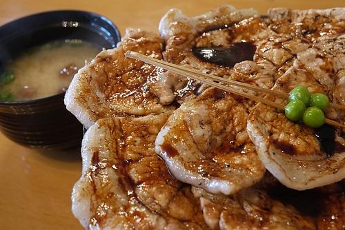 ぶた八の豚丼