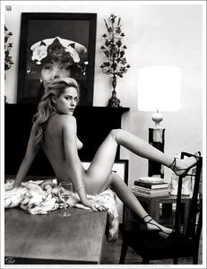 0806-Aimee-Mullins-630x817
