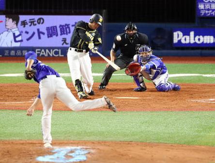 福留孝介41歳 特大ホームラン、16点の阪神史上33年ぶり二塁打9本