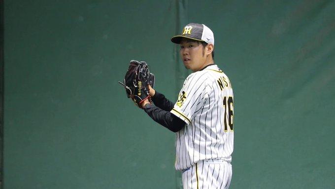 甲子園のブルペンで投げる阪神・西勇輝投手