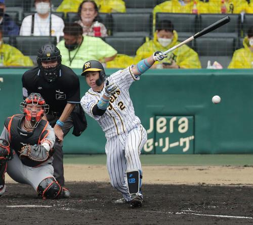 五輪内定の阪神梅野隆太郎が二塁打×2 持ち味長打力で好機演出