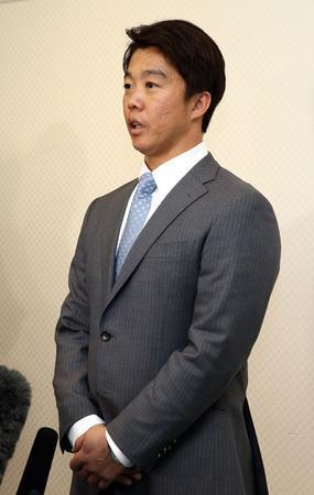 FA鶴岡が5年ぶり日本ハム復帰 背番22変わらず
