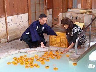 【画像】入浴中のお柿ちゃん達を撮ったぞーwwwwwwwwwwww