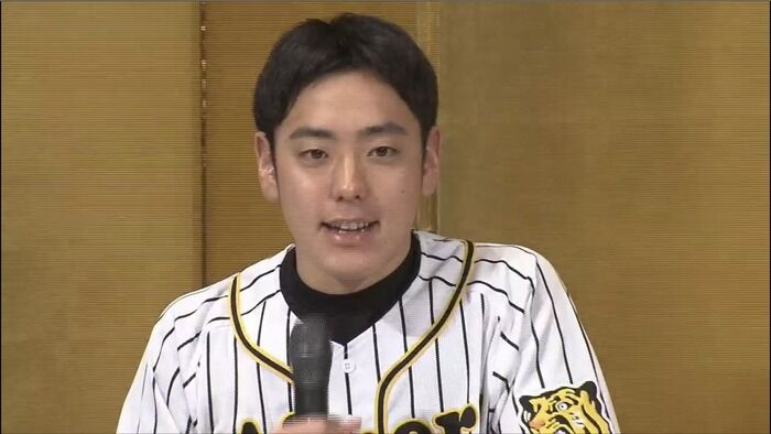 阪神ドラフト6位・小川一平  背番号は『66』「(報道陣の多さに)すごい怖いです…。早く甲子園のマウンドで投げたい。」