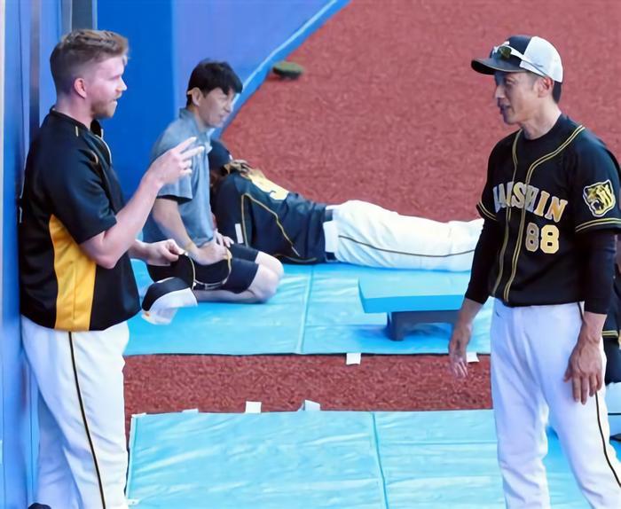阪神・ジョンソン、メジャー復帰めぐり代理人がマネーゲームか?