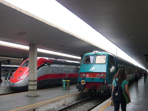 ユーロスターと鈍行列車