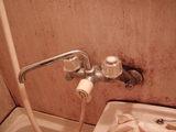 水栓金具も交換します