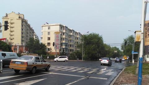 横断歩道のある交差点