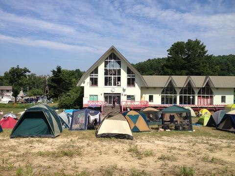 こんな感じのテントスペースで泊まりました