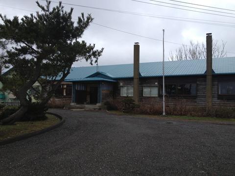 北海道天売高等学校の寂しげな校舎