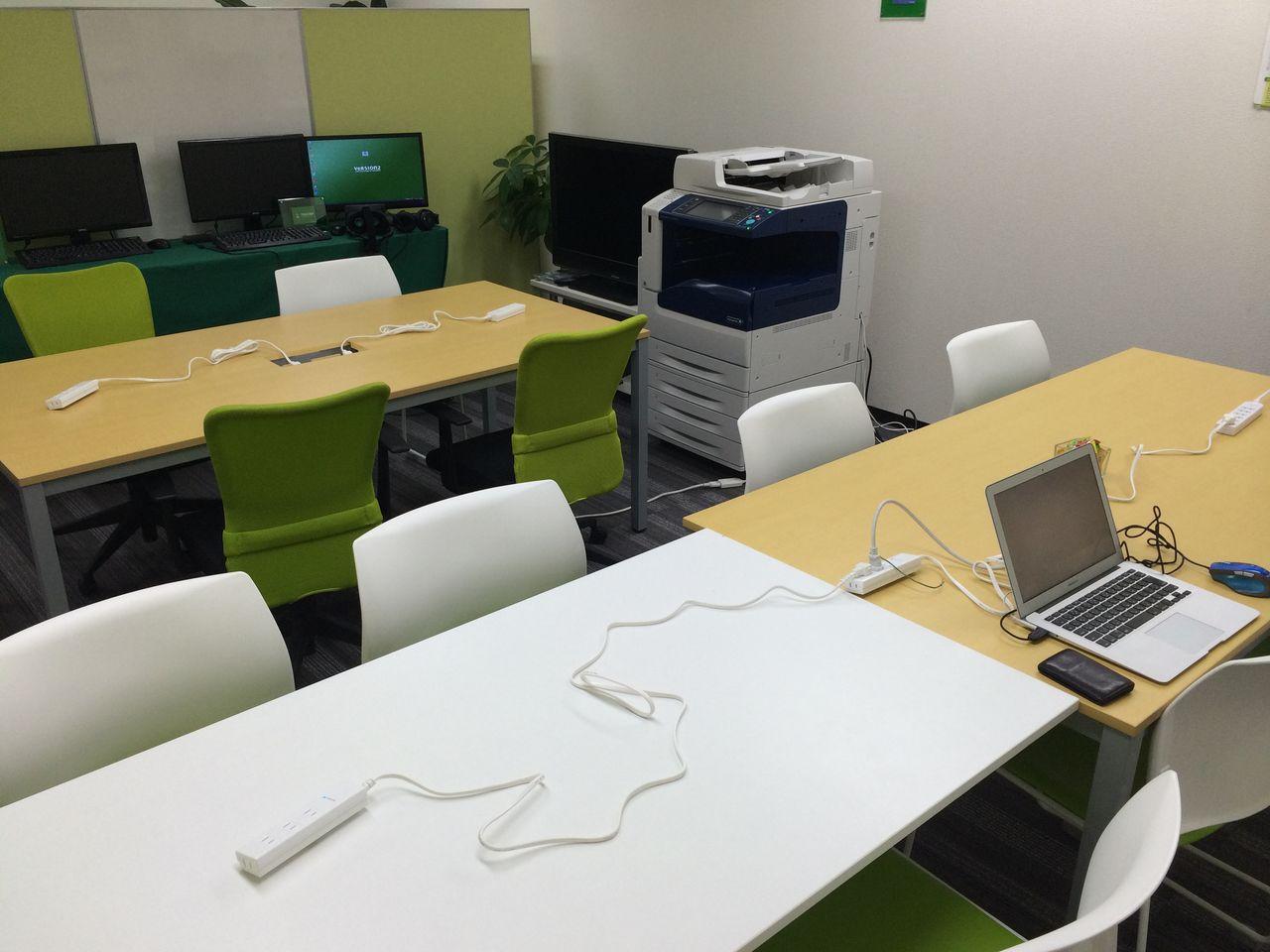 株式会社VERSION2さんの会議室2