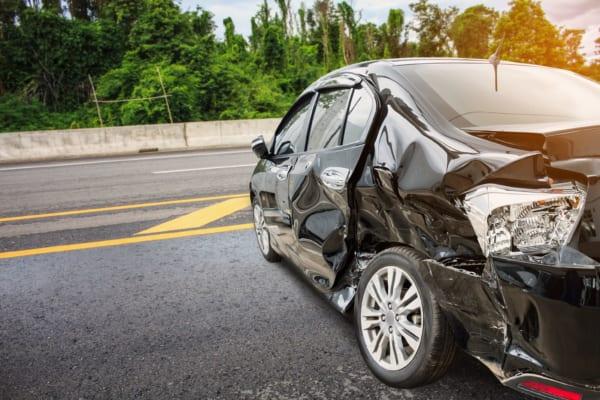 「黙っといて」頼まれ知人の交通事故を見逃した巡査 次々と襲う不運に同情の声も