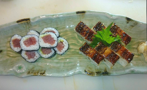 鉄火巻き穴子箱寿司