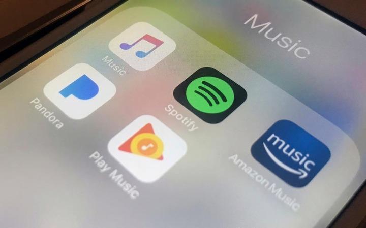 Apple-Music-Amazon-Music