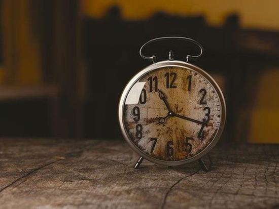 clock-1274699_640 (1)