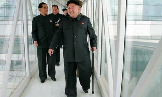 北朝鮮政府「将軍様が太り過ぎて死にそう。腕の良い欧州医者来てくれ!」⇒ 金正恩「俺が太ってるだと!?処刑されたいのか!」⇒ 欧州医者「見れば見るほどスタイリッシュ」