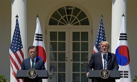 【米韓首脳会談】 トランプさん策士すぎwww 米韓共同声明の内容が凄まじすぎるwww 文在寅大統領、経済死亡を選ぶwwwww