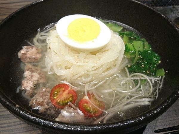 〆は冷麺。