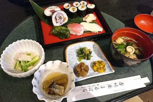 漬物寿司のランチ。