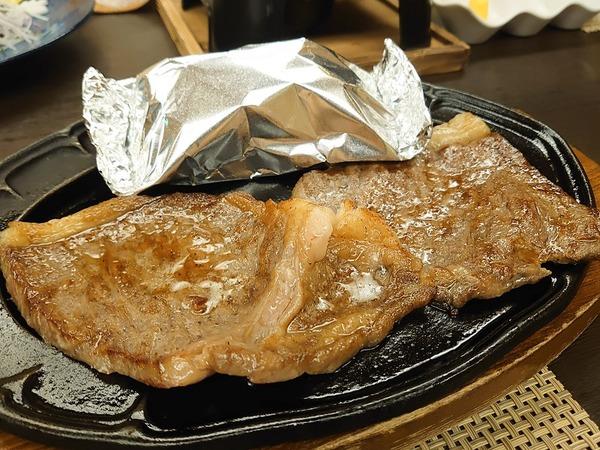ステーキ食べ比べ