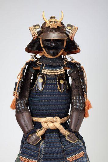 紺糸縅二枚胴具足(伊達家伝来)