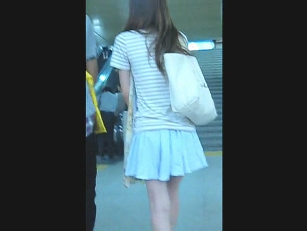 【HD隠撮動画】高画質カメラを使用してギャルを尾行パンチラ撮影!可愛い清楚なスカート内を攻略するwww