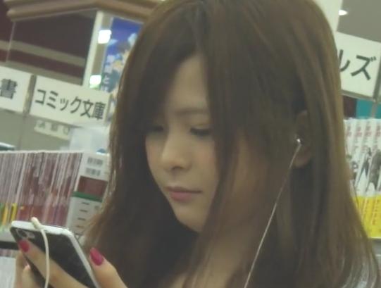 【HD盗撮動画】イイやつです!キャバ嬢ぽい雰囲気に清楚な白ワンピースの美女のパンチラ!!