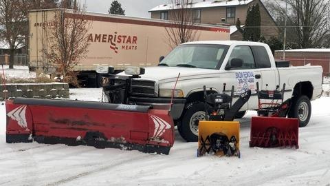 【USA】大雪のシアトルで雪かき、4日間で380万円の稼ぐ