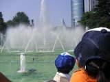 富山県庁前公園の噴水