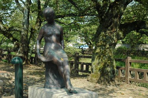 富山市 銅像 芸術 まちかどデーターベース