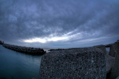 富山市 日本海 荒波 富山湾 ネイチャー