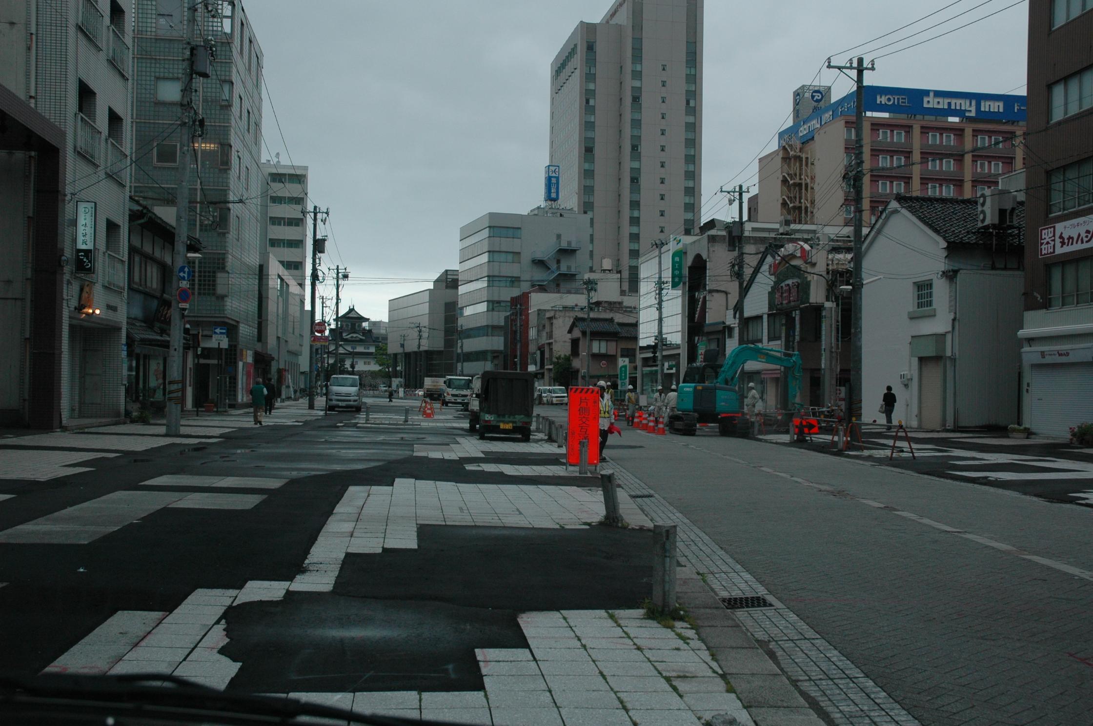 富山市中心街通信