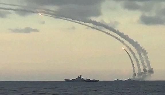 ロシア軍、カスピ海からシリアへ向け「巡航ミサイル」発射