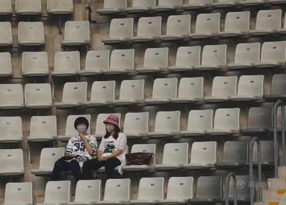 中国オープンテニス、観客はスモッグの中で観戦!3