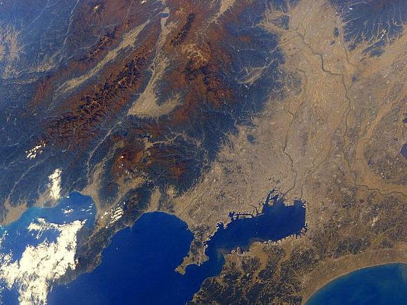宇宙飛行士・油井さんが撮った宇宙から見た日本の紅葉の写真2