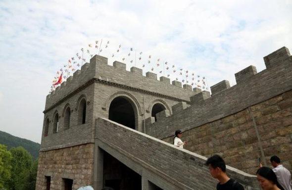 【中国】今度のパクリは「万里の長城」!2