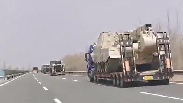 中国、人民解放軍の軍事車両が北朝鮮との国境に集結中!