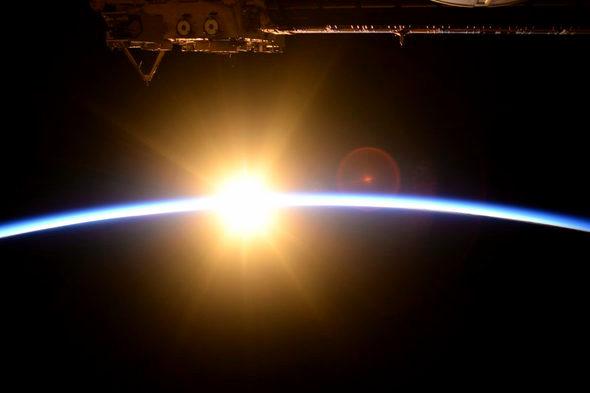 宇宙飛行士・油井さん「宇宙の日の出」2