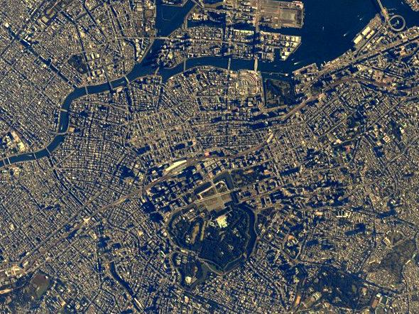 宇宙飛行士・油井さん「東京直上です。」2