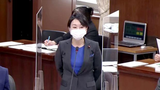 国民・山尾志桜里