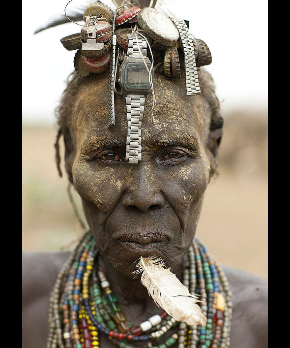 【画像】アフリカ・ナミビアの部族の女性