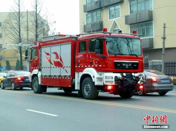 中国、まさかの「双頭」の消防車が登場!2