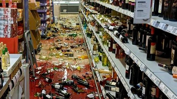 ドイツ、移民がスーパーで棚に並んでいた酒瓶を宗教を理由にことごとく破壊!