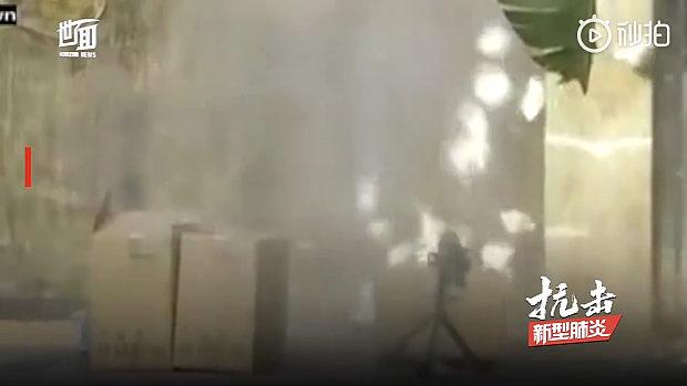 マレーシア、中国総領事館の前に支援のマスク3箱、不審物と間違い爆破する!