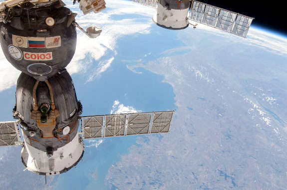 ロシアの宇宙船が制御不能、降下へ!