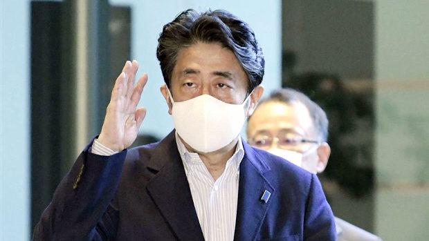 福島支援マスクの安倍総理